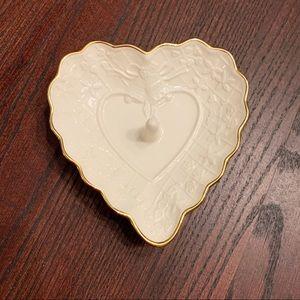 ⭐️HP⭐️ Lenox Heart Ring Holder